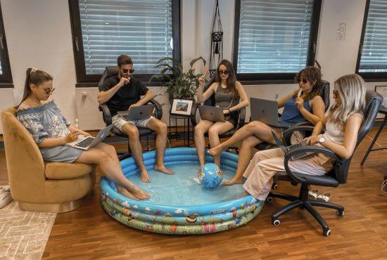 Pool_Office_